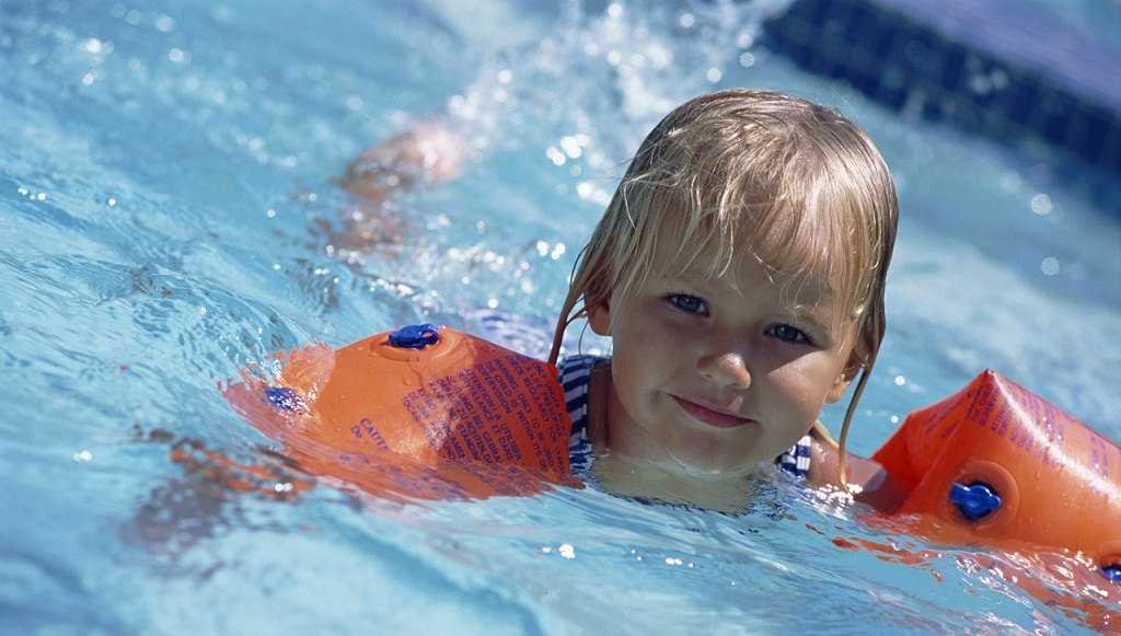 7 reasons why you should encourage swimming the - Swimming pool activities for kids ...