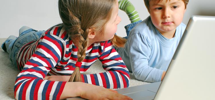 kids working on computer