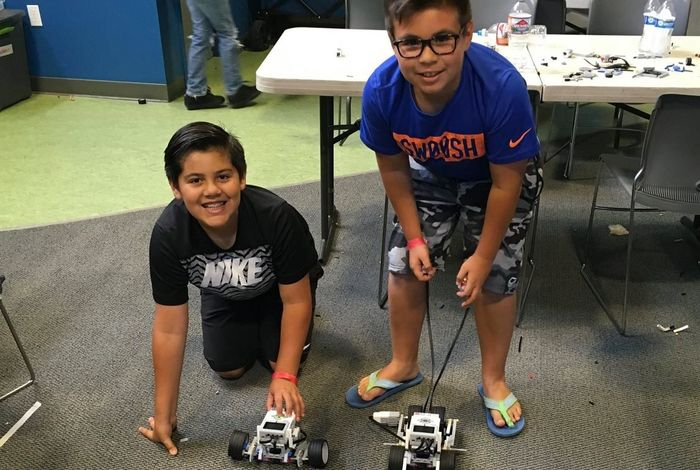 Thanksgiving Camps for Kids - Engineering for Kids of South Kern STEM on-campus camps for Thanksgiving - School Holiday Camps
