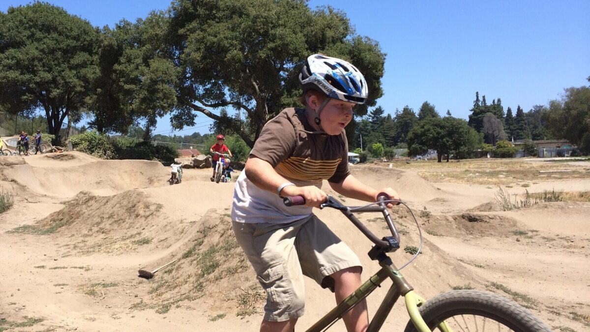 outdoor mountain biking camps for kids